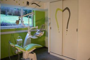 Chantier de peinture intérieure dans un cabinet dentaire à Mettet